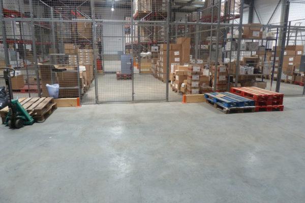 Bâtiment de stockage et bureaux